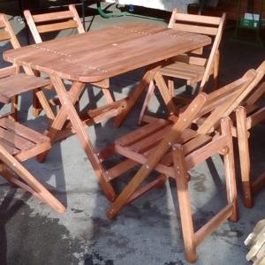 Комплект: раскладные стол и шесть стульев